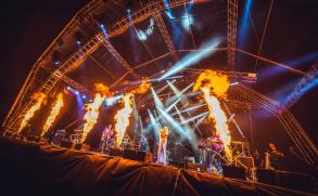 Malá velká oslava života. Mydy Rabycad vydávají záznam zeuforickéhokoncertu na Colours of Ostrava