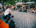 Ondřej Ruml, Laco Deczi, minus123minut nebo Matej Smutný zahrají v ulicích hlavního města na festivalu Praha žije hudbou